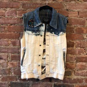 Distressed Jean Vest w Patch & Pockets